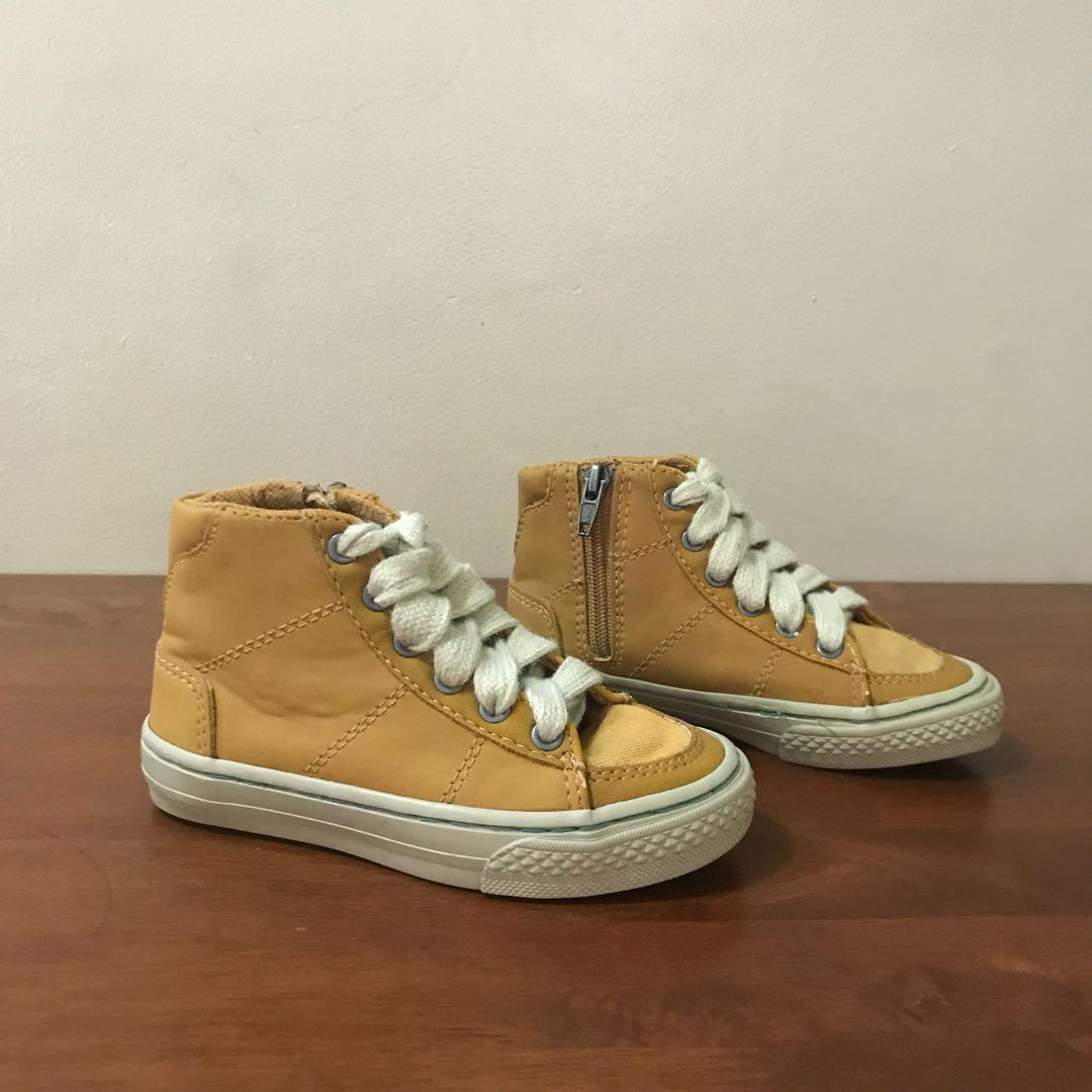 Zara boys' boots size 24/25