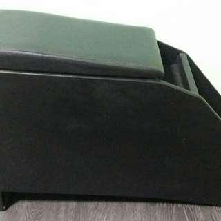 Toyota Wish Armrest Console
