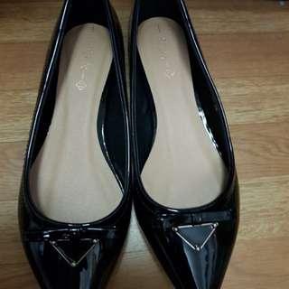 Brand New CLN flat shoes
