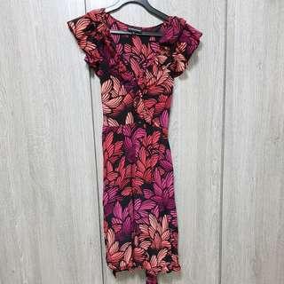 Warehouse ruffles dress with flora prints