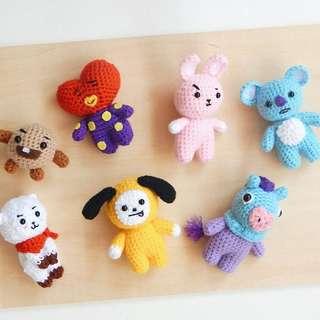 Crochet bt21 line characters