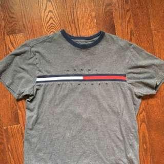 Tommy Hilfiger T shirt (Small)