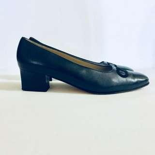 """Classic Vintage Salvatore Ferragamo Heels, Navy Blue, 10.5 2A 2""""heel."""