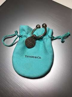 RETURN TO TIFFANY® ROUND TAG KEY RING