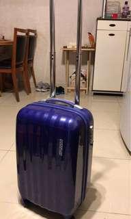 American Tourister 20吋藍色行李箱