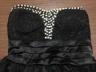 Black Dress -tube