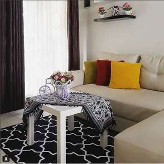 Karpet monochrome