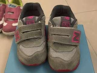 New Balance 574小桃童休閒運動鞋size27.5