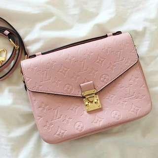 LV粉紅色斜揹包