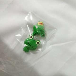 青蛙扣針 2個