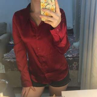 Bnew Guess red longsleeve (fabric is silk)