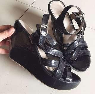 Wedges Black