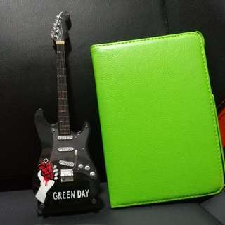 Green Day miniature guitar display set with stand