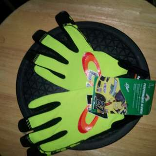 NEW DRIVING GLOVES