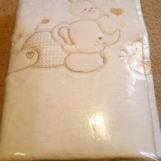 Baby bassinet/cot blanket