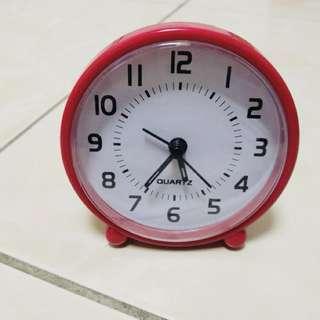紅色小鬧鐘 10*10cm