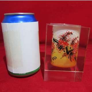 迪華【夜冷區】❤ 玻璃藝術內繪筆筒-桃花款 ❤ 仿水晶 筆筒 藝術筆筒