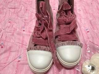 liz lisa 正品全新波鞋 已搶售完