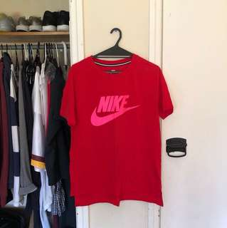 Nike top size L