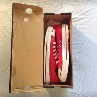 Red low top Converse - Brand new/unworn