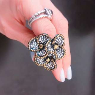 Women's Swarovski flower dress ring