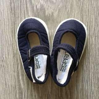 Sepatu bayi Esprit