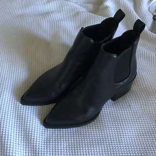 like new windsor smith boots