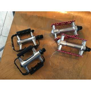 silver,/red vintage look paddles and black Figaro pedals for sale,