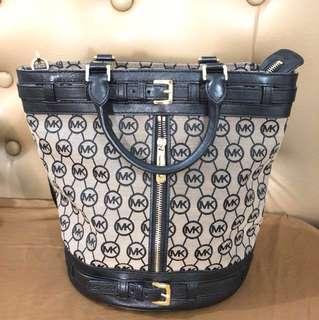 Michael Kors Kingsbury Bag