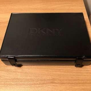 DKNY poker tools 遊戲用品