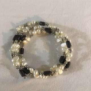 Magnet Pearl Bracelet