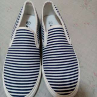 brand new sneakers eur size 39 unisex