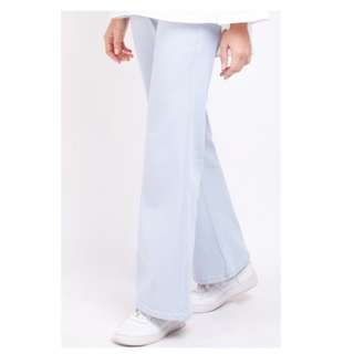 STRETCHABLE BOOT CUT JEANS (PLAIN) IN BLUE GREY