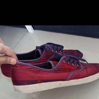 dijual sepatu emerica skate