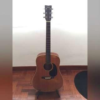 Yamaha DW105 - Dreadnought style acoustic guitar