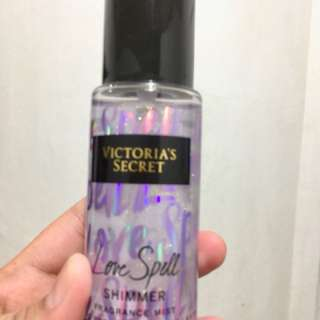 💯% Authentic Victoria's Secret Love spell shimmer