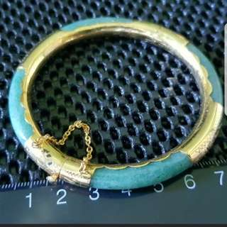 Jade bangle with gold