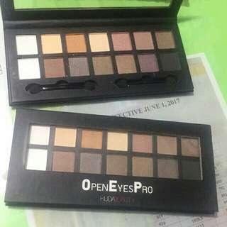 Huda beauty openeyes eyeshadow palette