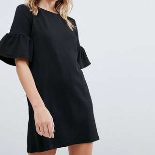 Pull&Bear Frill Sleeve Tee Dress in Black