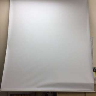 Remaco projector screen