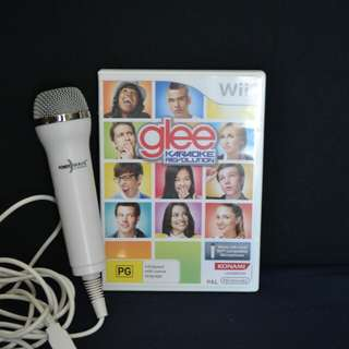 Glee Volume 2 Wii Game with microphone
