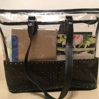 Transparent Shoulder Bag / Carry All • With zipper •  Excellent condition •