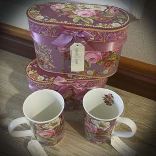 BNIB Brand New Complete 2 Mug Set [ROSE] by LOVELY LACE with Decorative Box