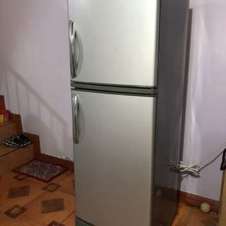 Condura 8 cu ft Refrigerator for 10k