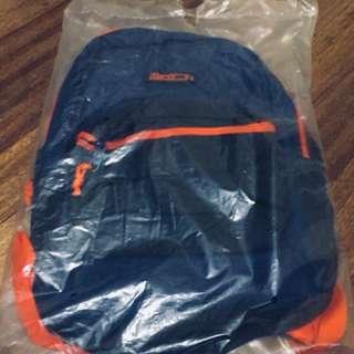 Backpack (hawk)