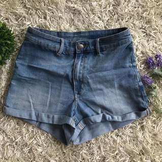 HnM short jeans