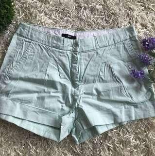 HnM mint green short