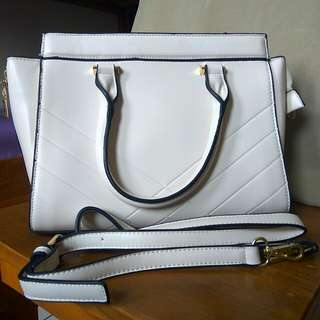 Women's White Handbag