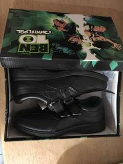 Black school shoes 2