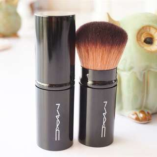 Foundation Brush MAC Inspired